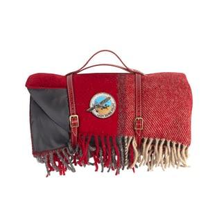 Picnic blankets red Lady Bush Pilot